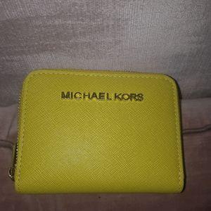 🦄 3/$60 Michael KORS small yellow wallet